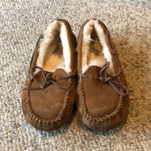 Ugg chestnut Dakota sheepskin slipper shoes sz 3